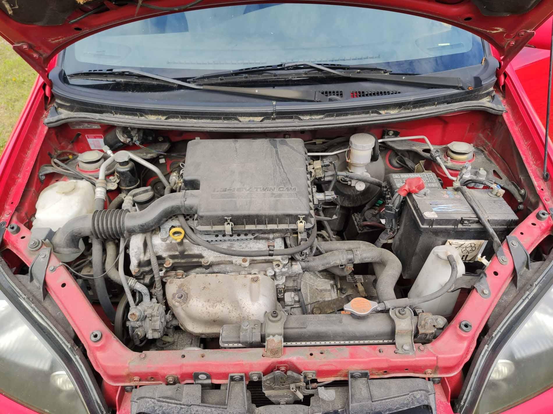Daihatsu YRV 1-3i 4x4