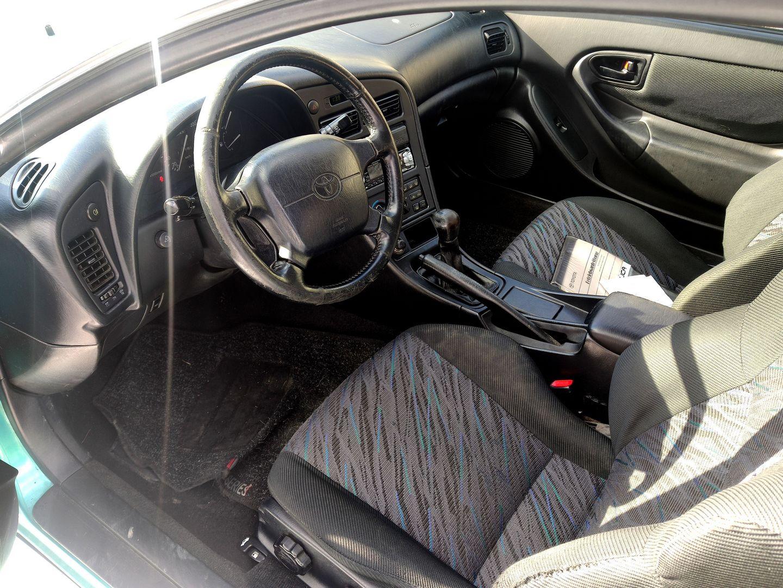Toyota Celica GT interiér