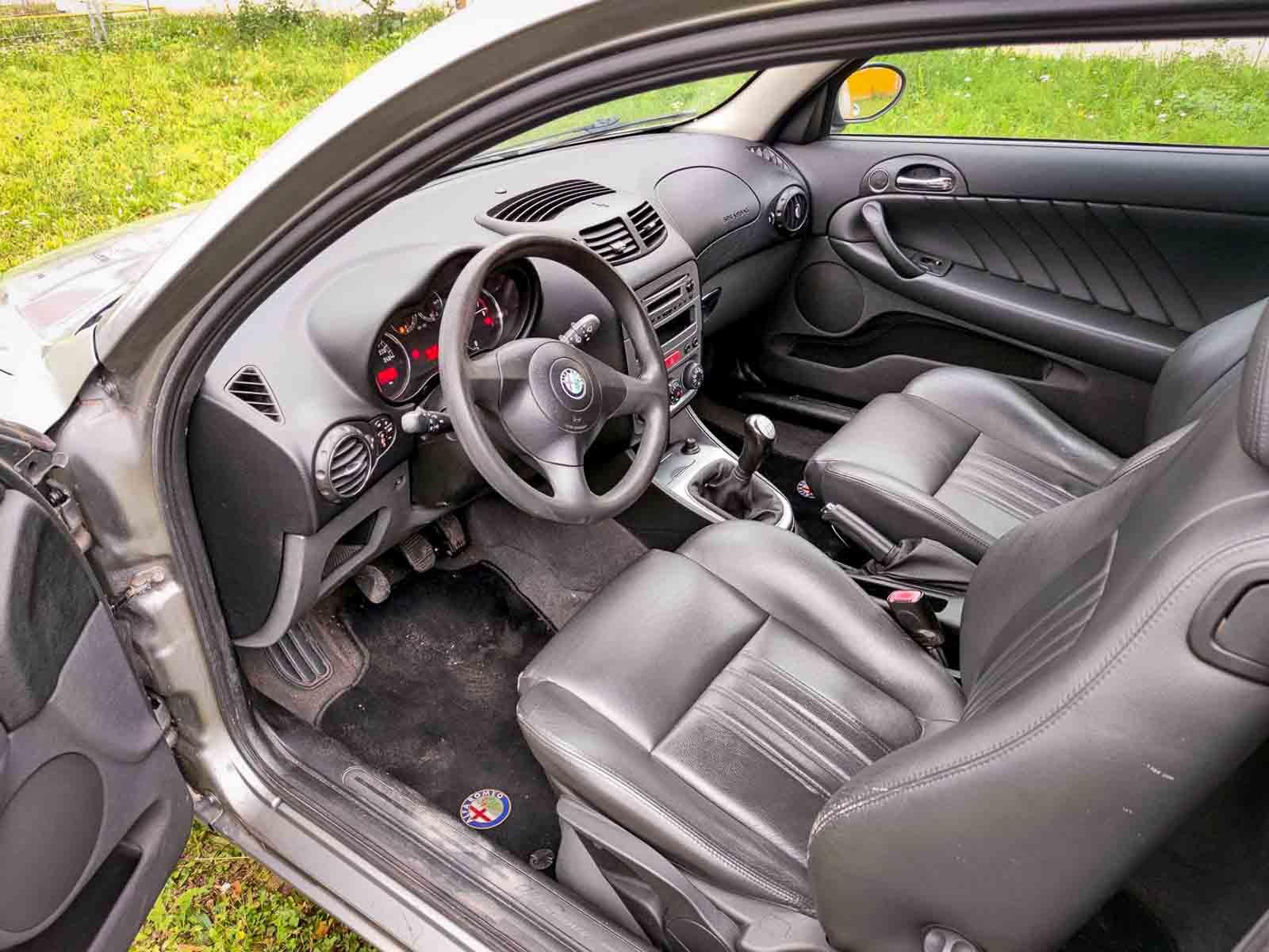 Alfa Romeo 147 interiér