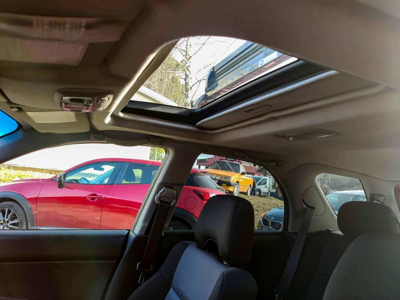 Subaru Impreza střešní okno