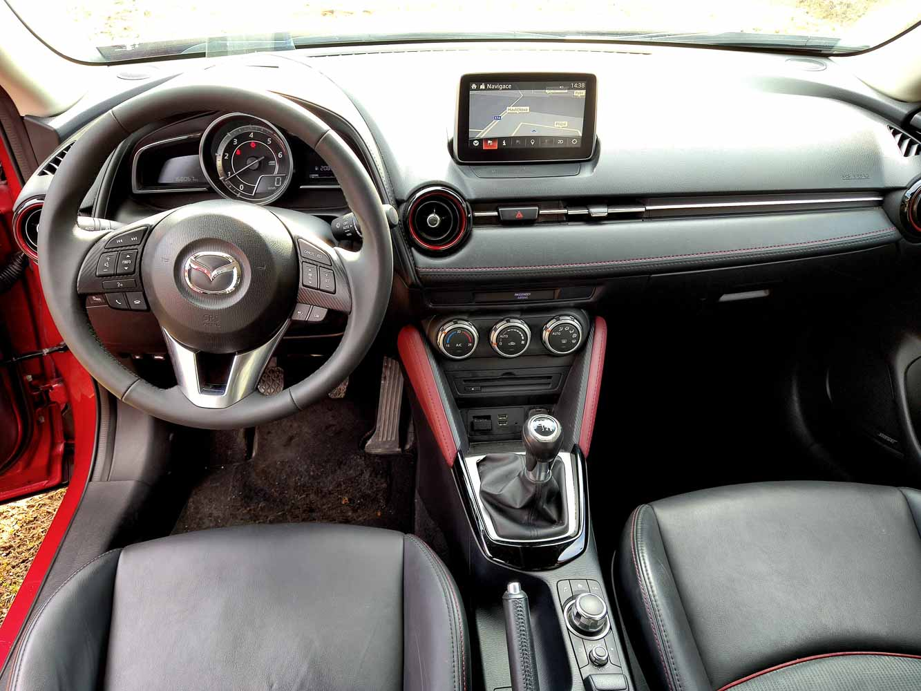 Mazda CX3 Skyactiv-D interiér