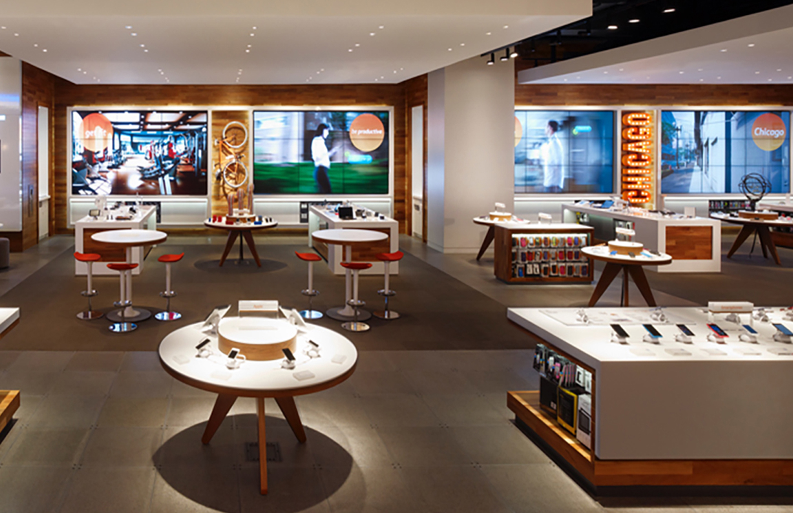AT&T Michigan Avenue Retail Experience