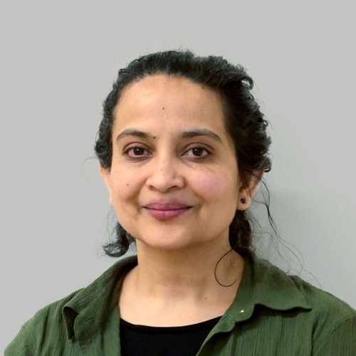 Arti Gaur Headshot