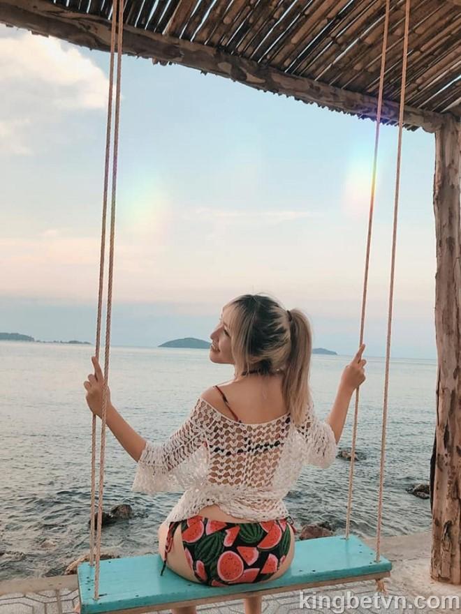 TOP 3 Nữ Streamer Việt Nam Sở Hữu Thân Hình Cực Nóng Bỏng - Uyên Pu