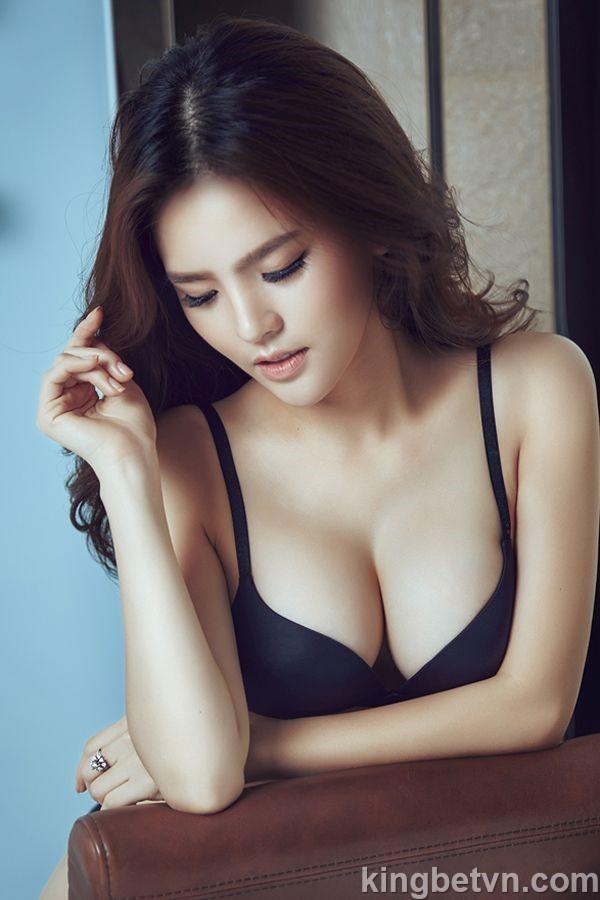 thánh nữ phi huyền trang mặc bikini sexy lộ núm
