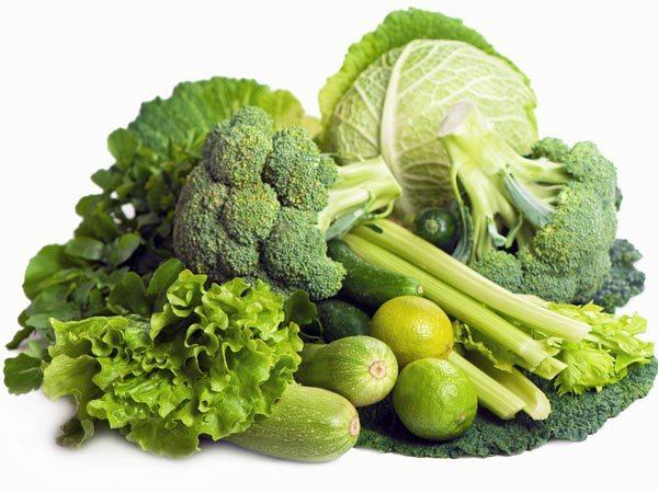 Sau phẫu thuật cắt trĩ nên ăn rau xanh