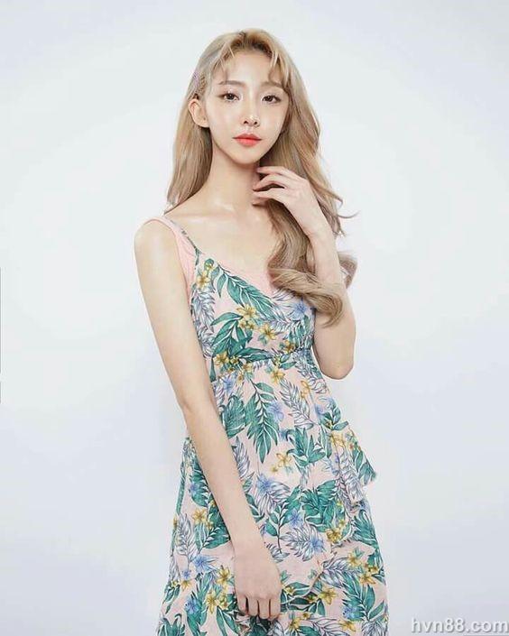 top 5 hot girl ngoai quoc noi tieng tai viet nam (17)