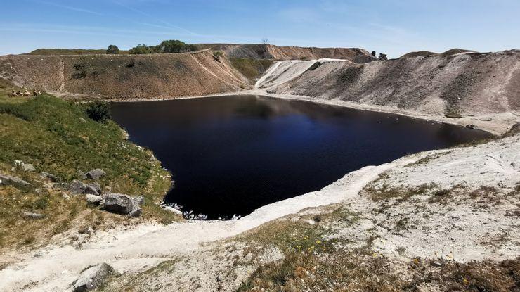 Những vùng nước tuyệt đẹp nhưng chứa đựng sự nguy hiểm đến chết người - 6