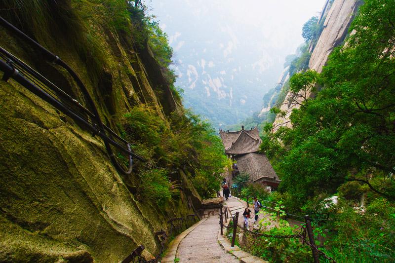 Khám phá Hoa Sơn - ngọn núi nguy hiểm nhất Thế giới - 10