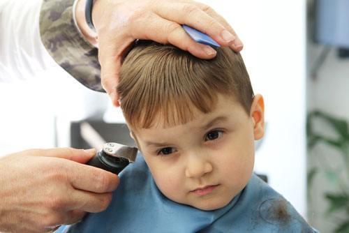tông đơ cắt tóc cho bé loại nào tốt