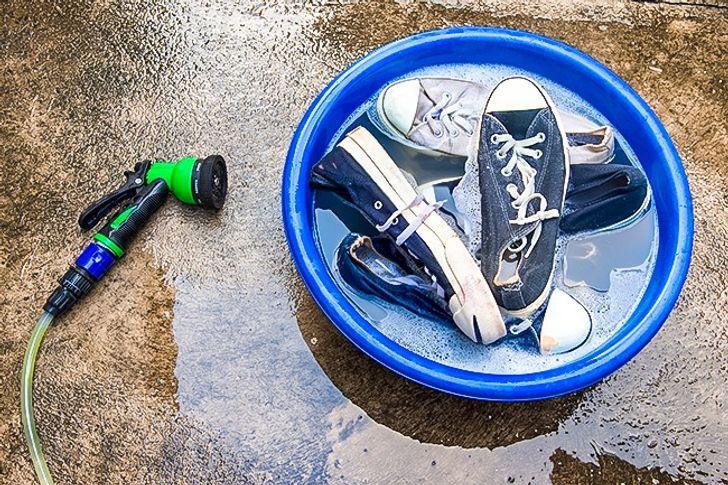 Cách hay để loại bỏ mùi hôi chân vào mùa hè nóng bức - 9