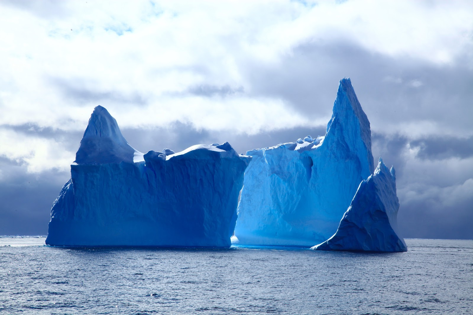 Simplified marketing can be illustrated by a sharp iceberg