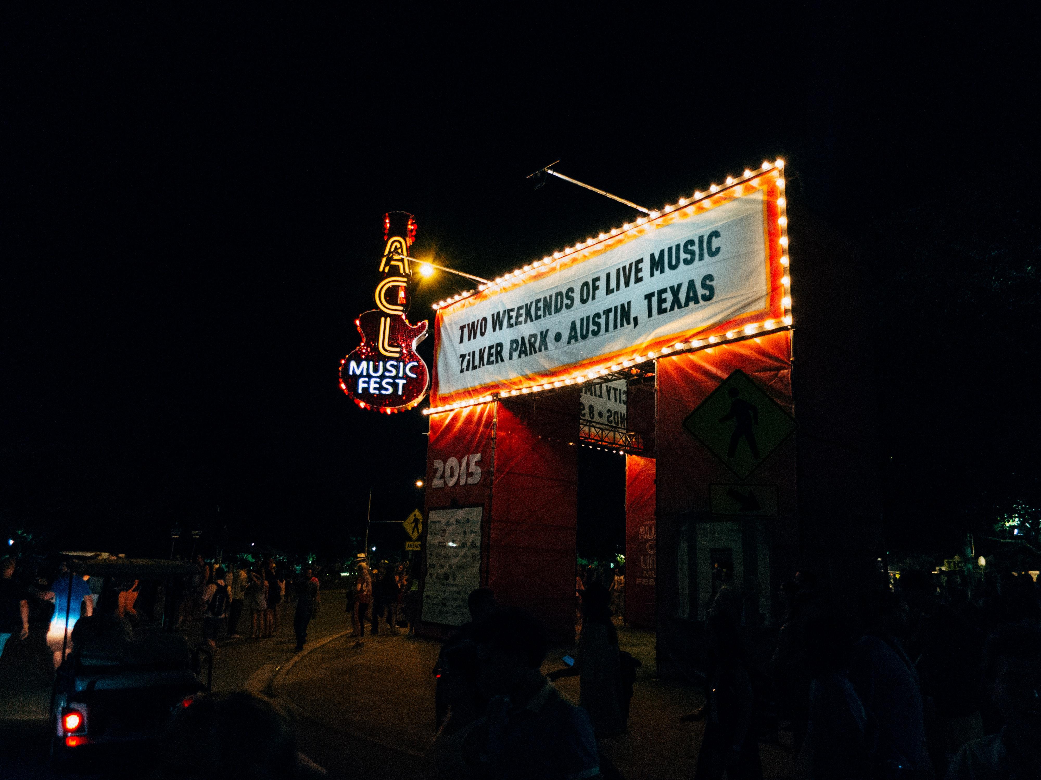 Image of a theatre in Colorado shutting down.