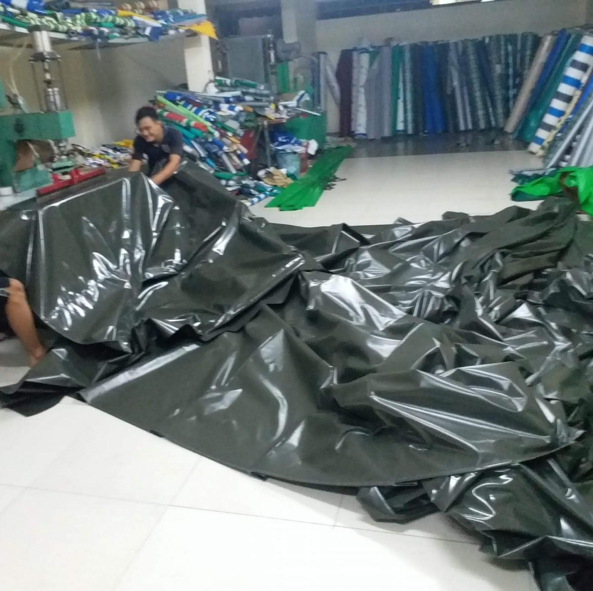 quy trình may ép bạt mái che tại kho xưởng