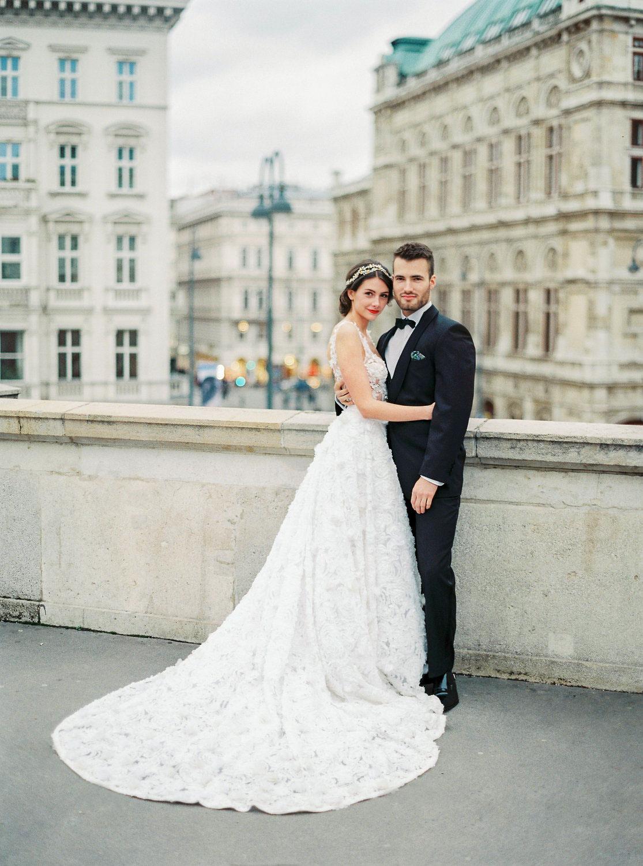 Brautkleider & Hochzeits-Anzüge Wien