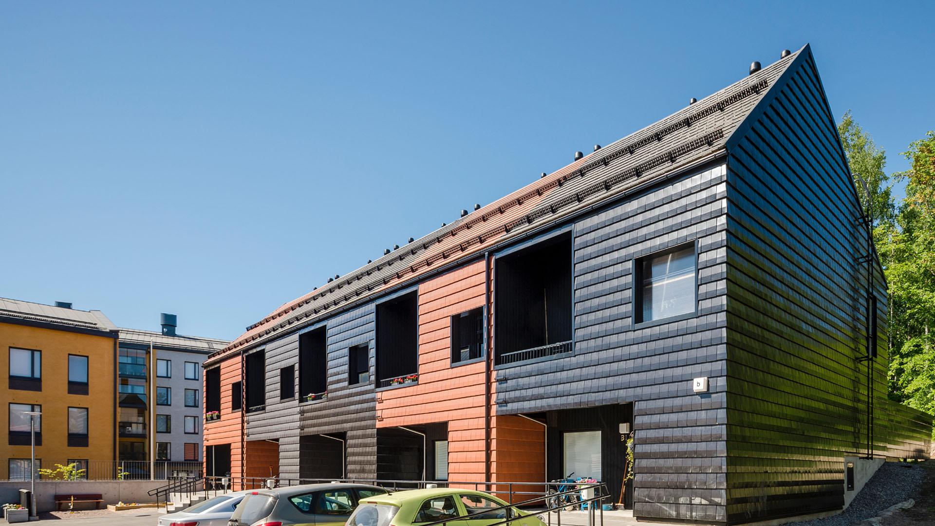 Reppukadun kattotiiliset kaupunkitalot