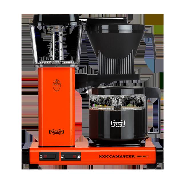 Een oranje Moccamaster filterkoffie koffiemachine.,