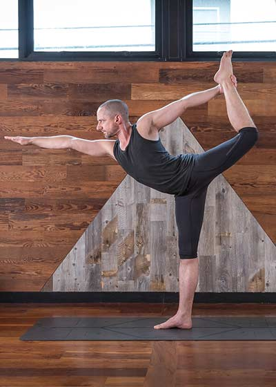 Noah Maze yoga course on Wanderlust TV