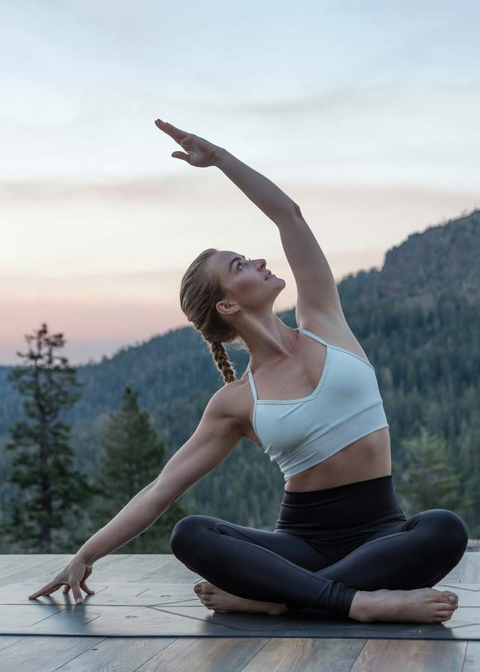 Caley Alyssa advanced online vinyasa yoga course on Wanderlust TV