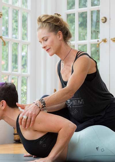 Schuyler Grant yoga course on Wanderlust WLTV