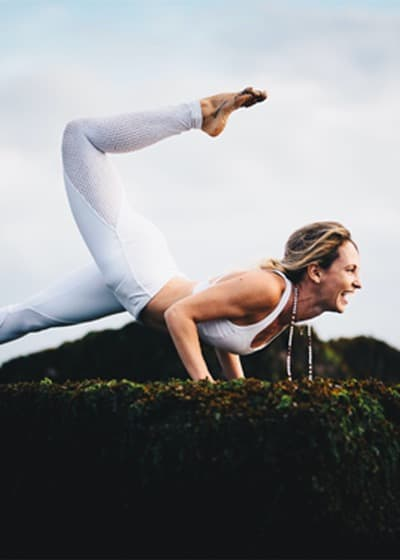 Julia Pross online meditation class on Wanderlust TV
