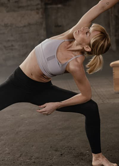 Anna Kleb yoga class on Wanderlust TV