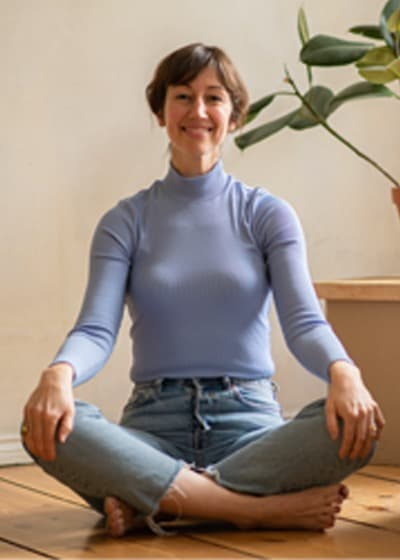 Kendy Gable yoga and meditation class on Wanderlust TV