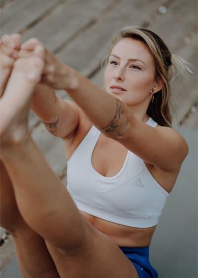 Angelique Poulain online yoga class on WLTV