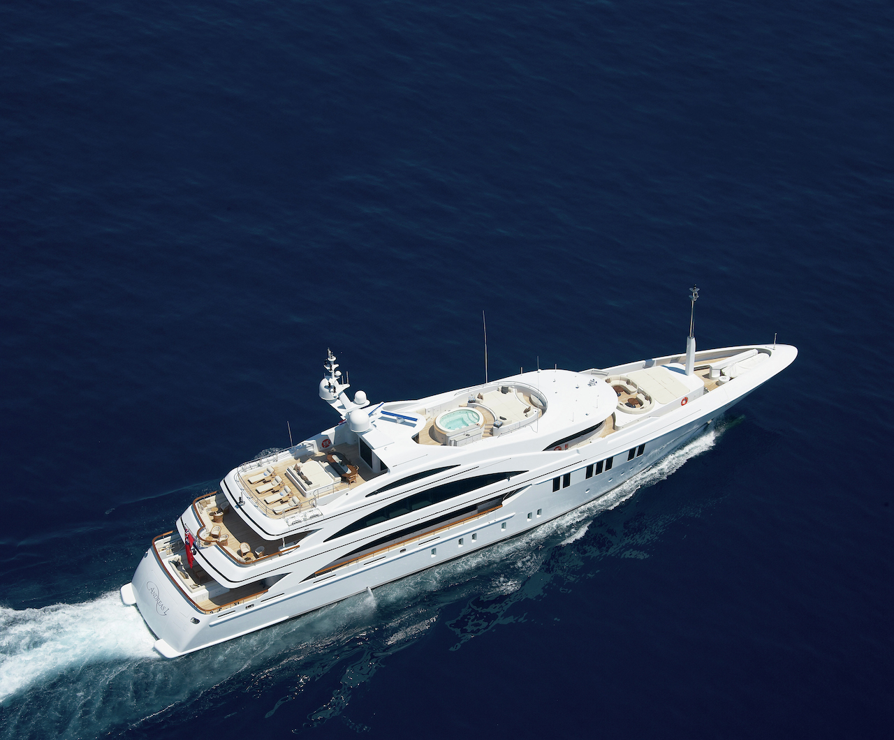 New CA: 60m MiMi to 37South Charter Fleet
