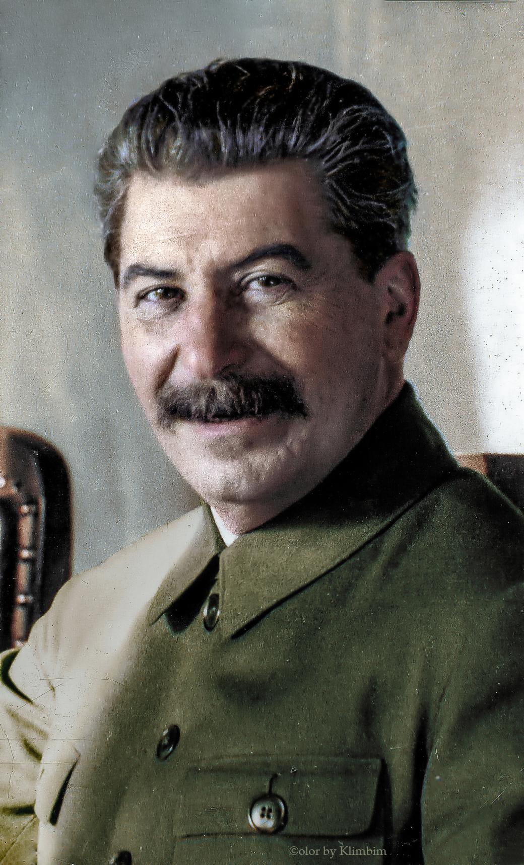 Joseph-Stalin-1932-color.jpg