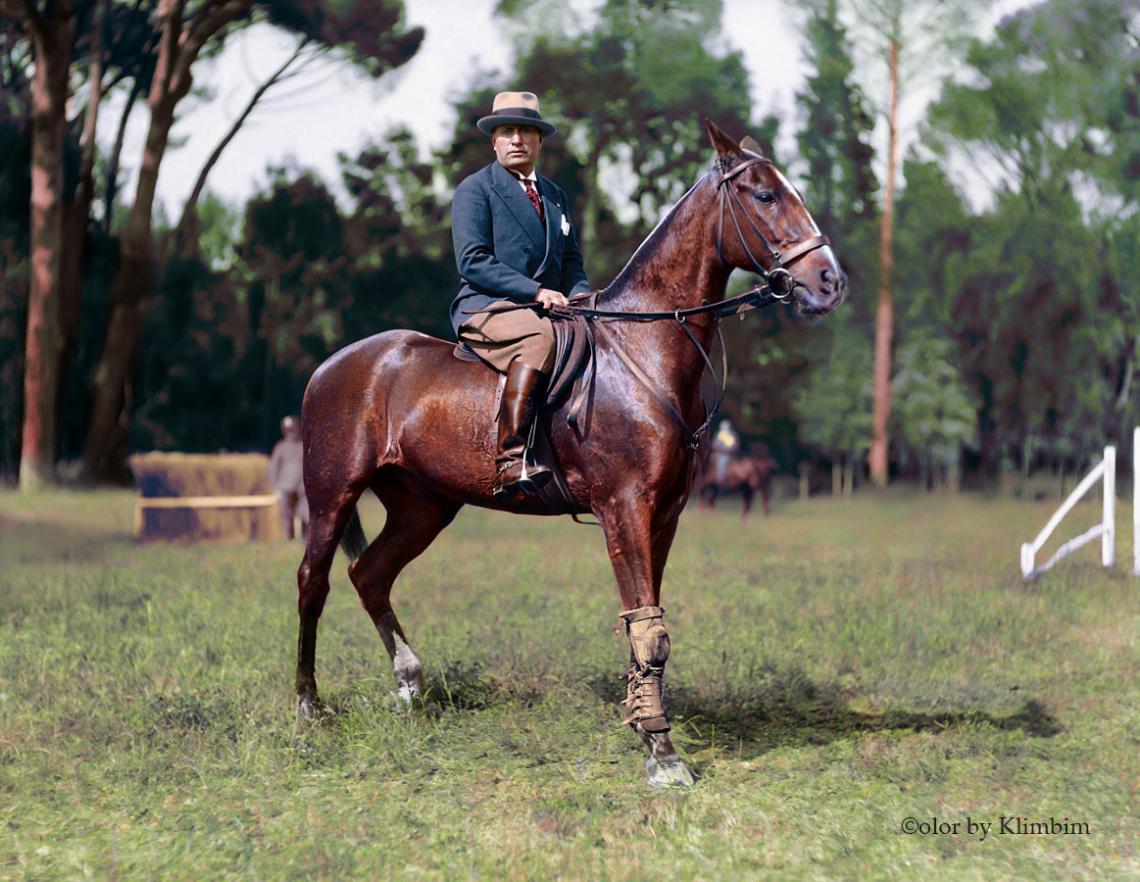 Mussolini-horse-color.jpg