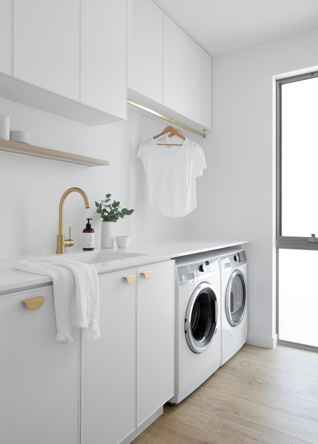 custon laundry cabinet maker