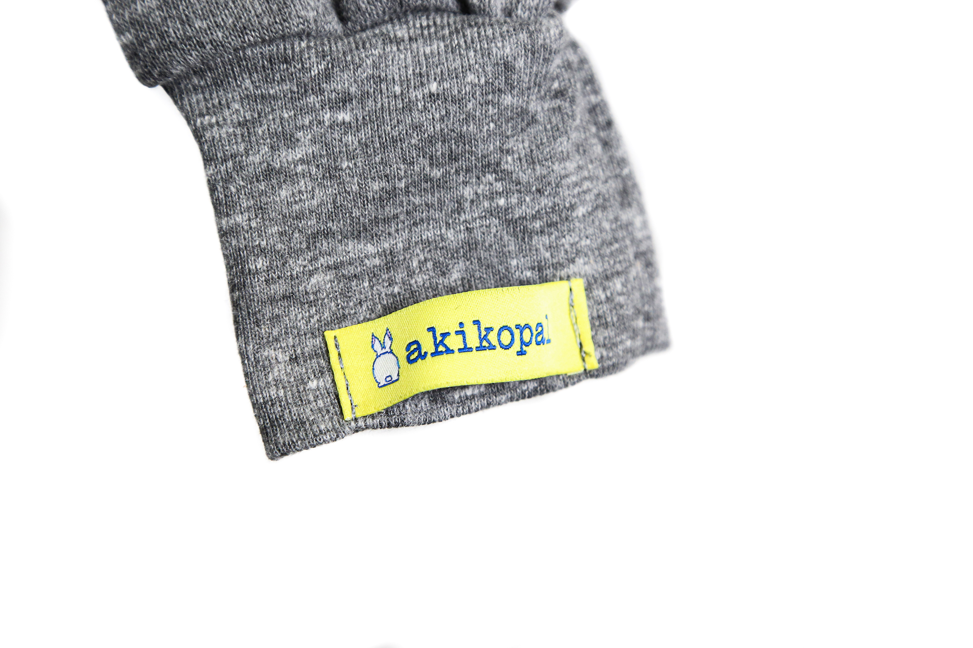Akikopal sleeve tag embroidered