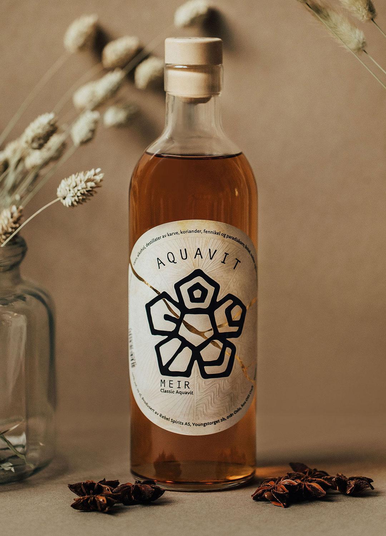 MEIR Classic Aquavit bottle.