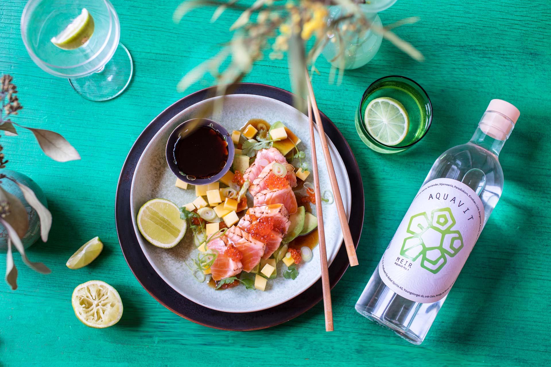 Salmon tataki with MEIR aquavit No. 1.