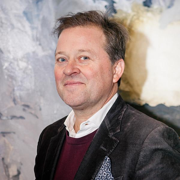 Arne Hjeltnes
