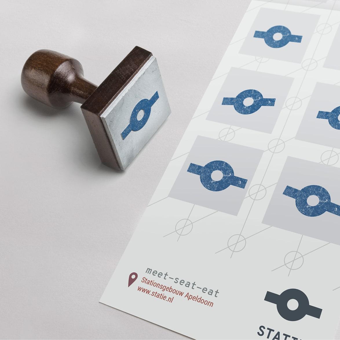 Stempel en stempelkaart van Statie met logo