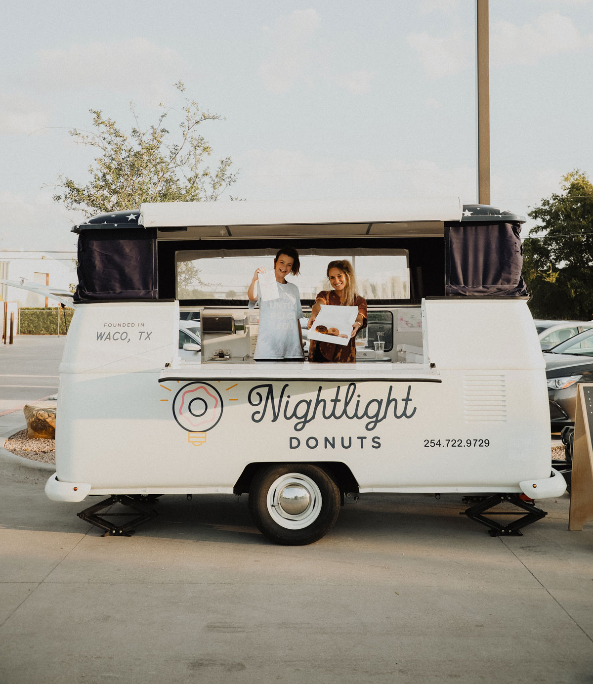 Nightlight Donuts & Coffee Food Truck
