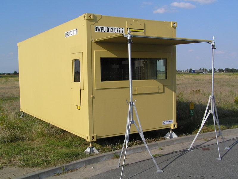 Checkpoint-Container, geschützt mit Passdurchreiche.