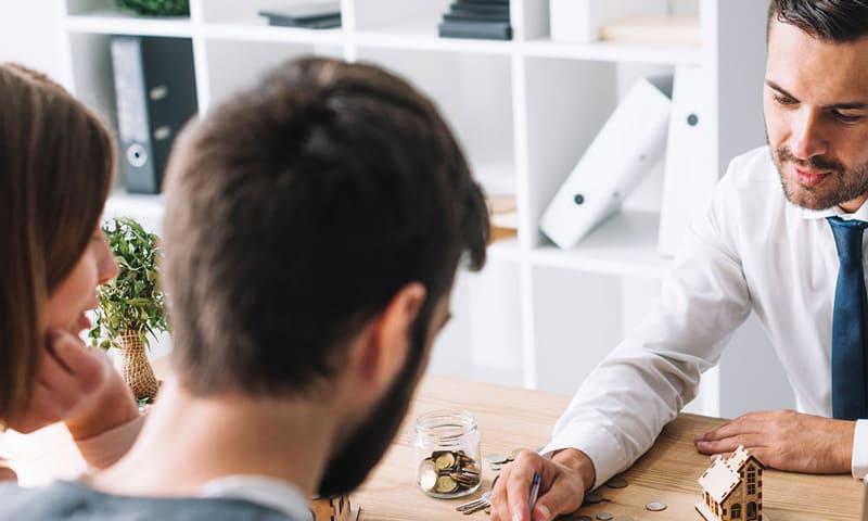 Hypothèque : Estimez la valeur marchande de la maison ou de l'appartement avec notre estimation en ligne avant la discussion du prêt.
