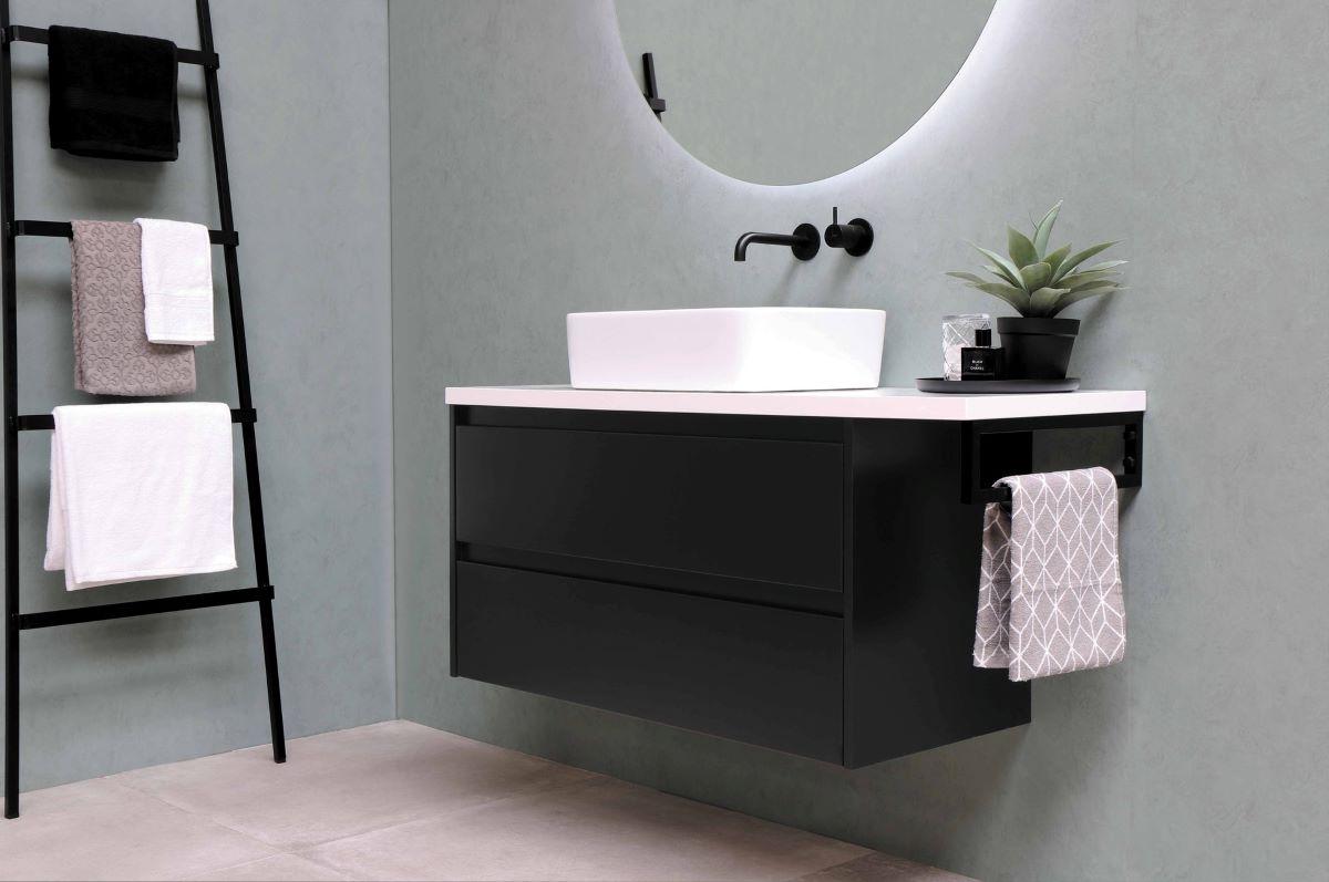 Modern Bathroom With Nice Decorations