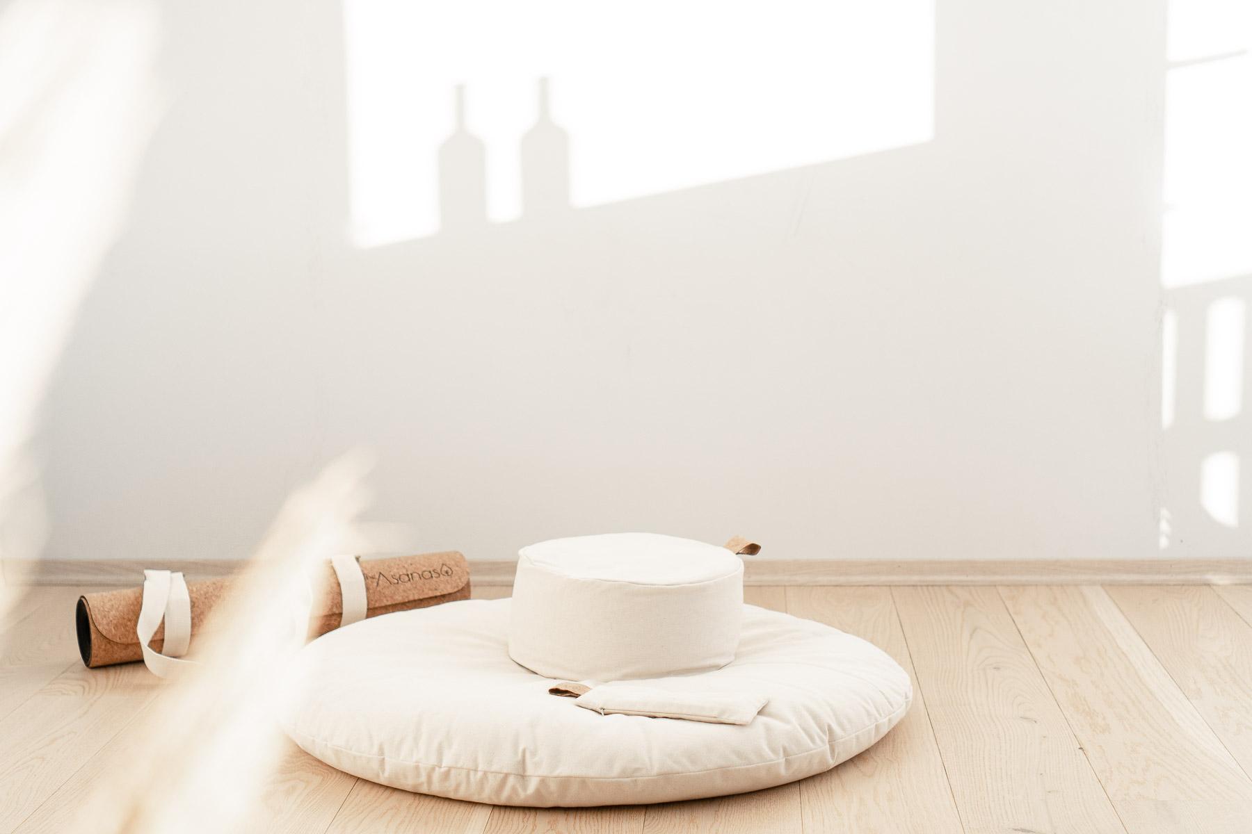meditasjonsputer i økologisk bomull the asanas zafu zabuton sett øyepute rund yogapute meditasjonsmatte