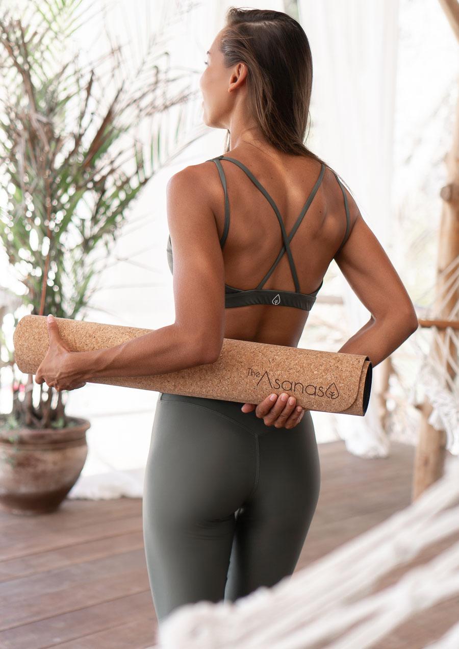 kork yogamatte, naturlig yogautstyr, bærekraftige produkter yoga, hvordan bruke mindfulness og meditasjon, the asanas yogaklær