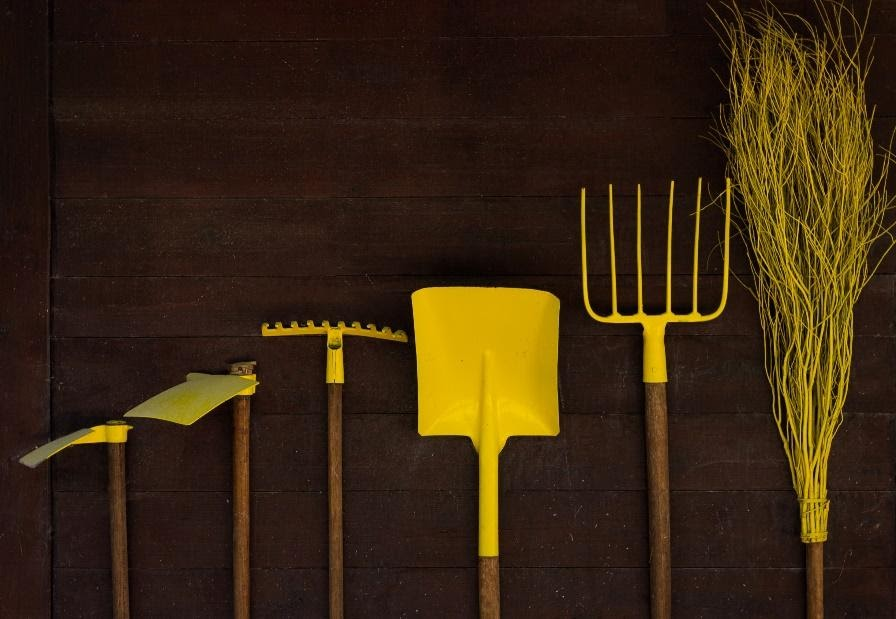 picks and shovels image for pynk community investing community