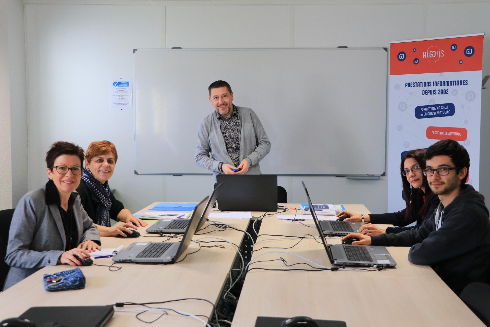 l'équipe algotis centre de formation à proximité de Aubière