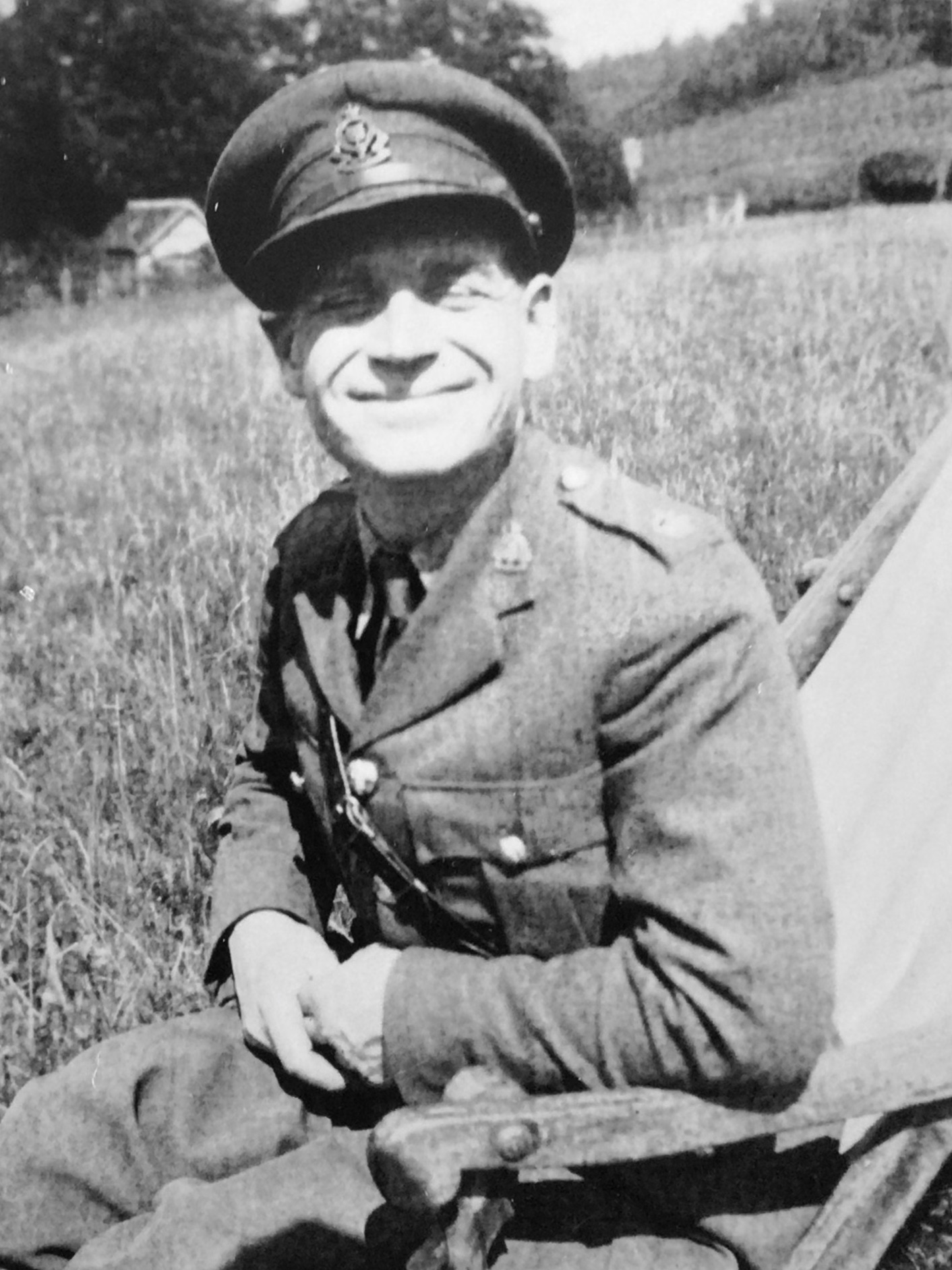 Leslie Amlot in military uniform.