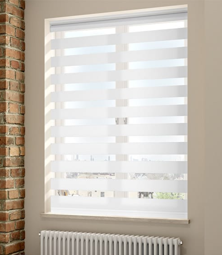 Double sided roller blind