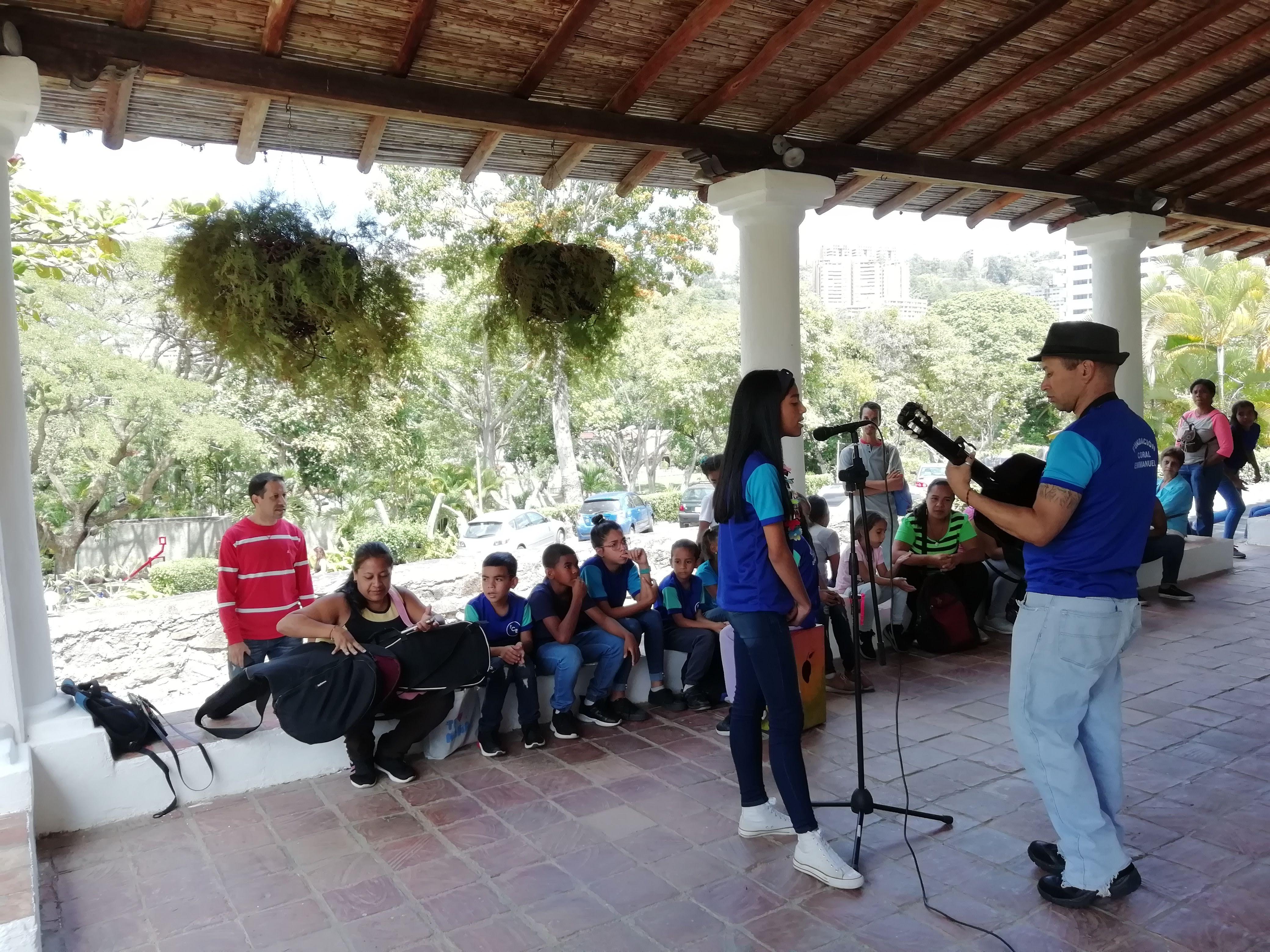 Coral Emmanuel durante la inauguración de la Exposición de Ciudad Completa en La Hacienda la Trinidad