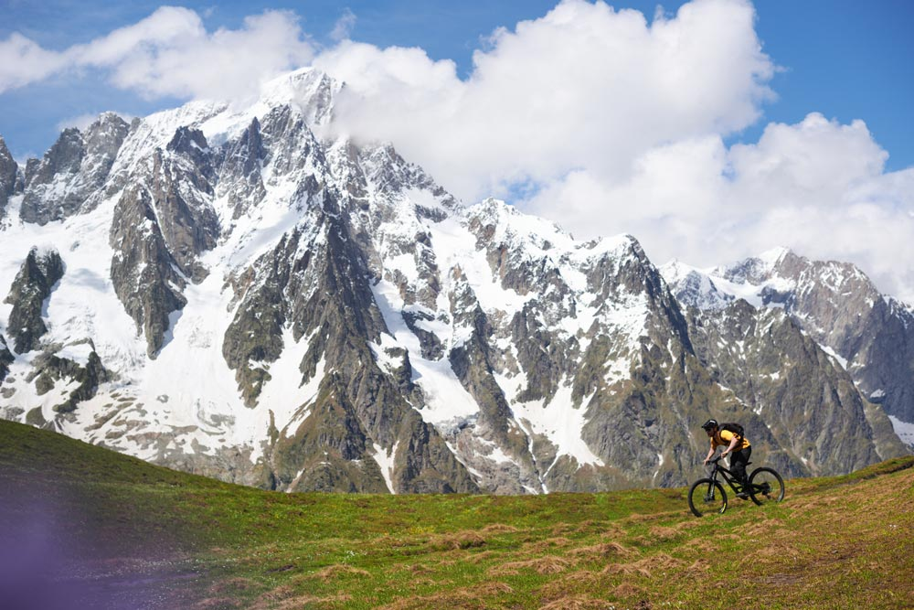 mountain biking in the heart of the alps
