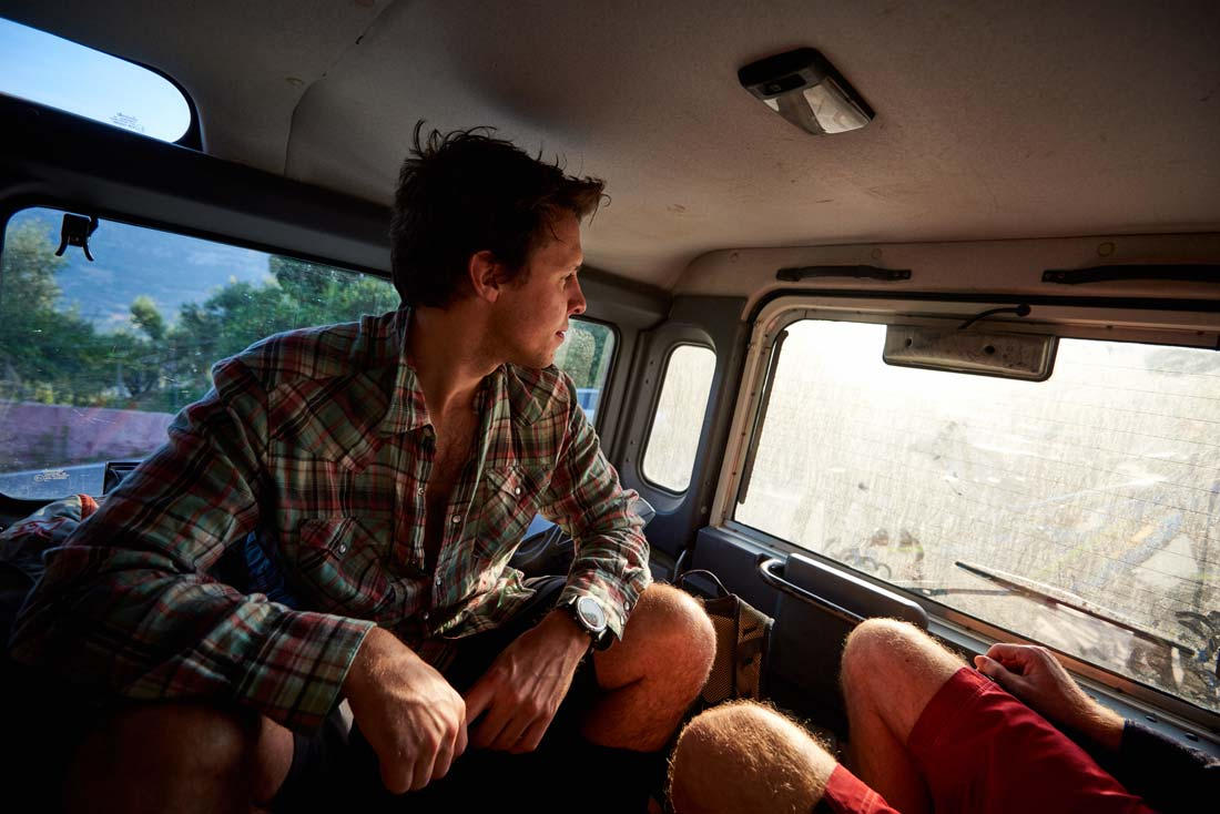 Mtb shuttle service - time to relax before next run
